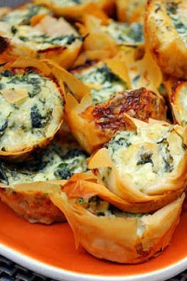 Spanakopita Bites – Greek Spinach Pie Bites - Spanakopita Bites are mini phyllo pastry shells filled with a delicious spinach and feta cheese filling. They are easy to prepare and can be a quick and easy alternative to rolling and wrapping individual phyllo triangles. #spinachpies #spinachpies #backtoschool  #snacks #greekfood