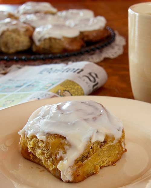 Recipe for Frosted Cinnamon-Raisin Sticky Buns – I made these cinnamon rolls for breakfast Sunday morning, based on the kid's reaction, I NEED to make these again.