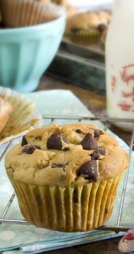 I L-O-V-E these Buttermilk Chocolate Chip Muffins! Next week I may try cinnamon apple or peach. Although I may keep my options open until I see what looks appealing at the farmers market this weekend.