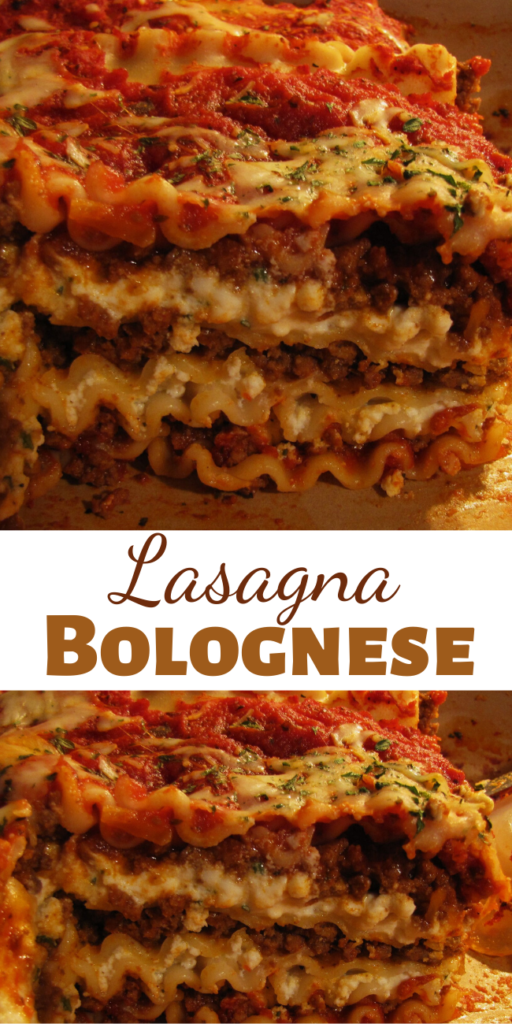 Who doesn't love a huge piece of perfectly made Lasagna Bolognese? I know I do I do!!